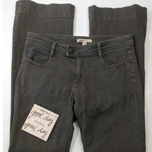 Cabi womans size 4 boot cut mid rise dirty wash